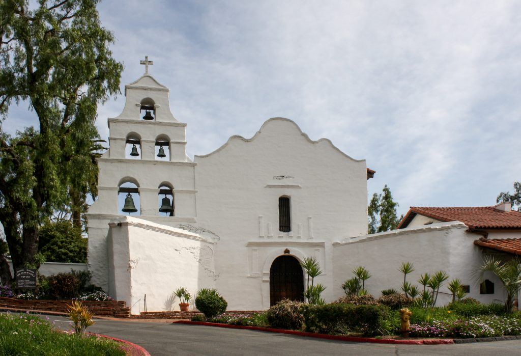 """""""Mission San Diego de Alcalá - church"""" by Bernard Gagnon - Own work. Licensed under CC BY-SA 3.0 via Wikimedia Commons - http://commons.wikimedia.org/wiki/File:Mission_San_Diego_de_Alcal%C3%A1_-_church.jpg#/media/File:Mission_San_Diego_de_Alcal%C3%A1_-_church.jpg"""