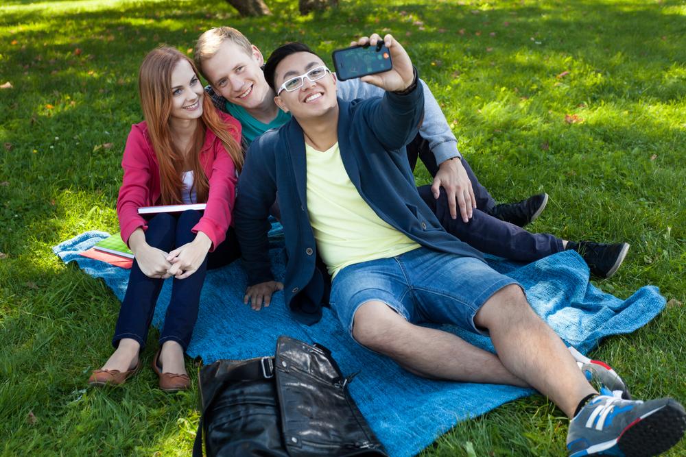 Photo.Friend.Friends.Students.Park.Picture.Selfie.Instagram